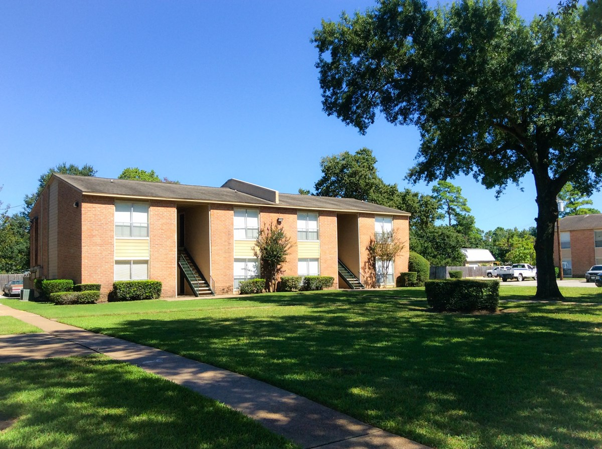 Bay Oaks Apartments