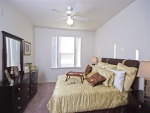 Bedroom at Listing #144687