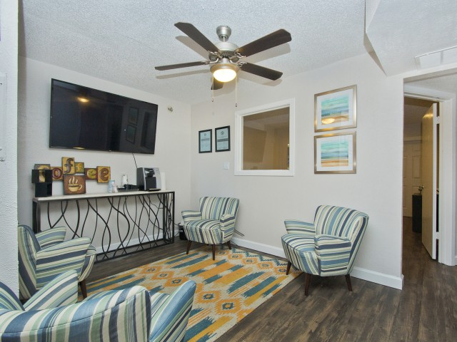 Living at Listing #136291