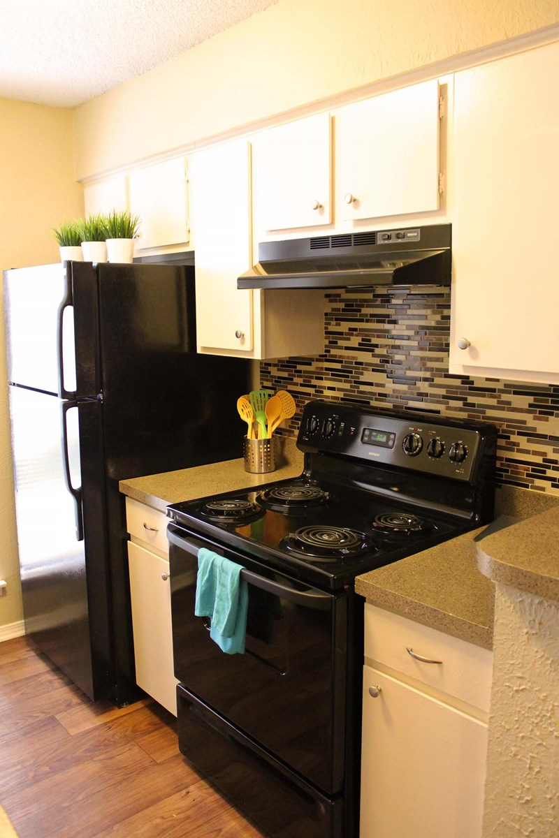 Kitchen at Listing #140922