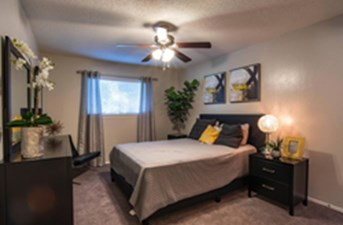 Bedroom at Listing #136930