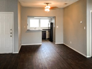 Dining/Kitchen at Listing #140999