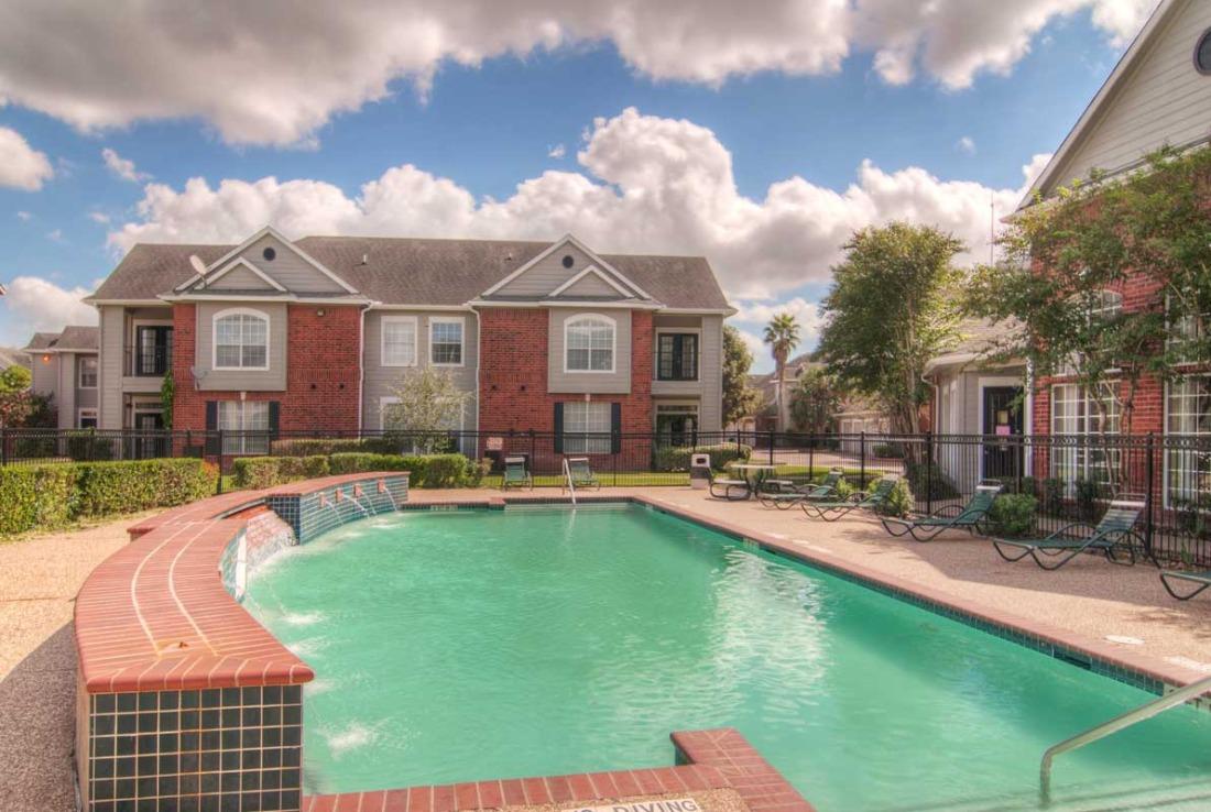 Pool at Listing #138412