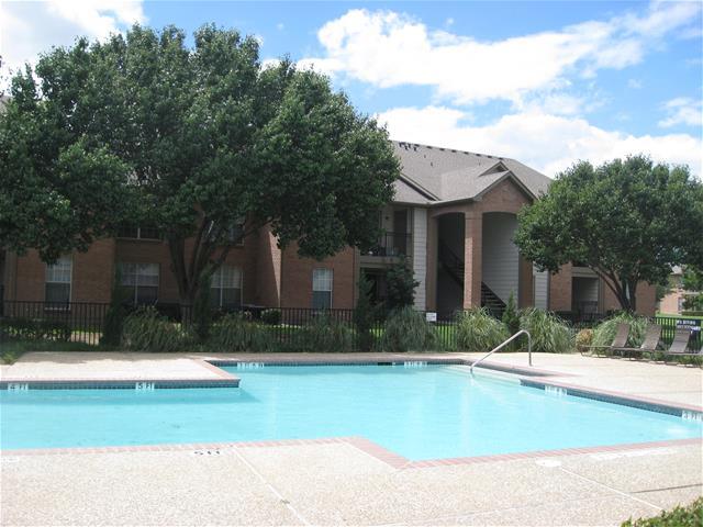 Pool at Listing #137564