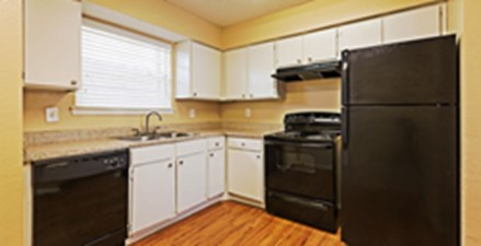 Kitchen at Listing #136016