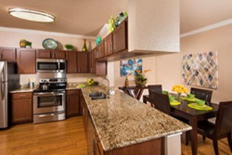 Dining/Kitchen at Listing #141398