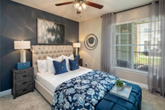 Bedroom at Listing #145668