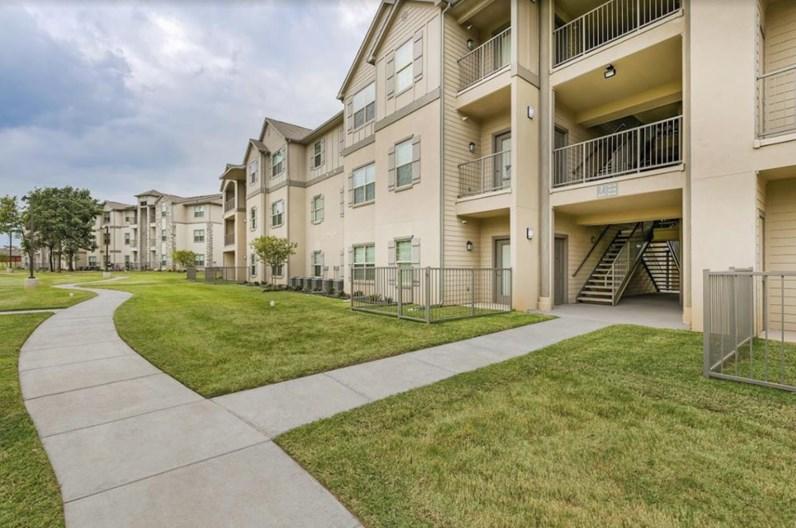 Riverside Arlington - $980+ for 1, 2 & 3 Bed Apts