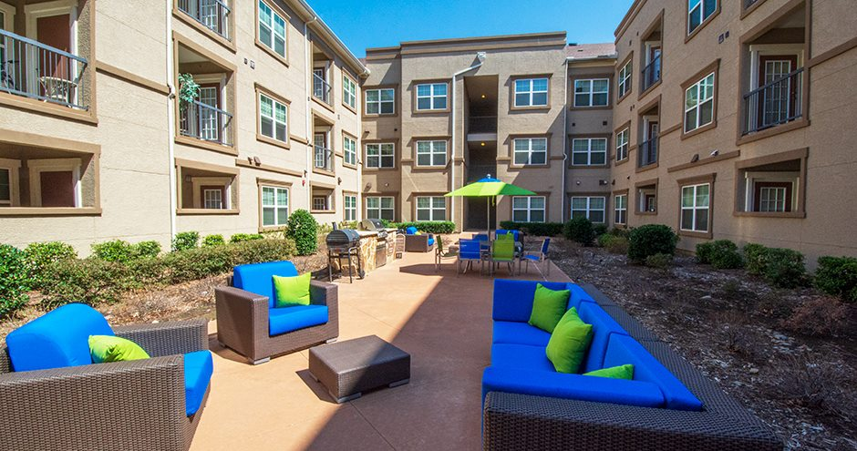 Courtyard at Listing #261426