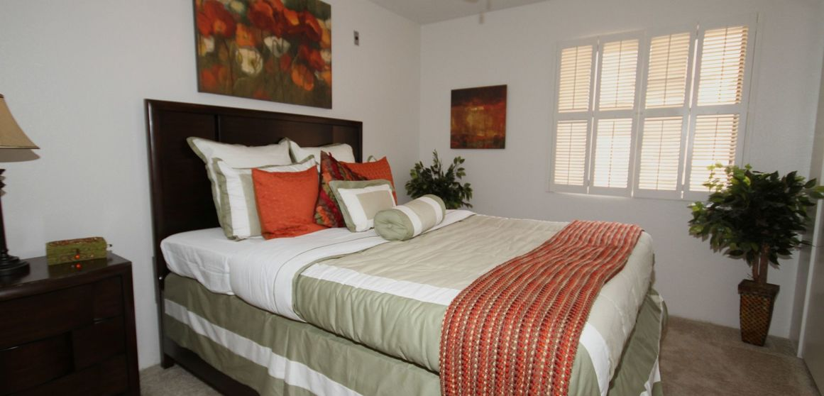 Bedroom at Listing #137075