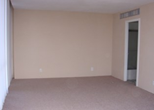Bedroom at Listing #139634