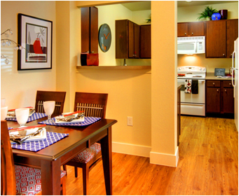 Dining at Listing #147778
