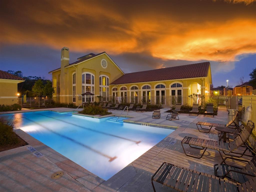 Costa Verde Apartments Clute TX