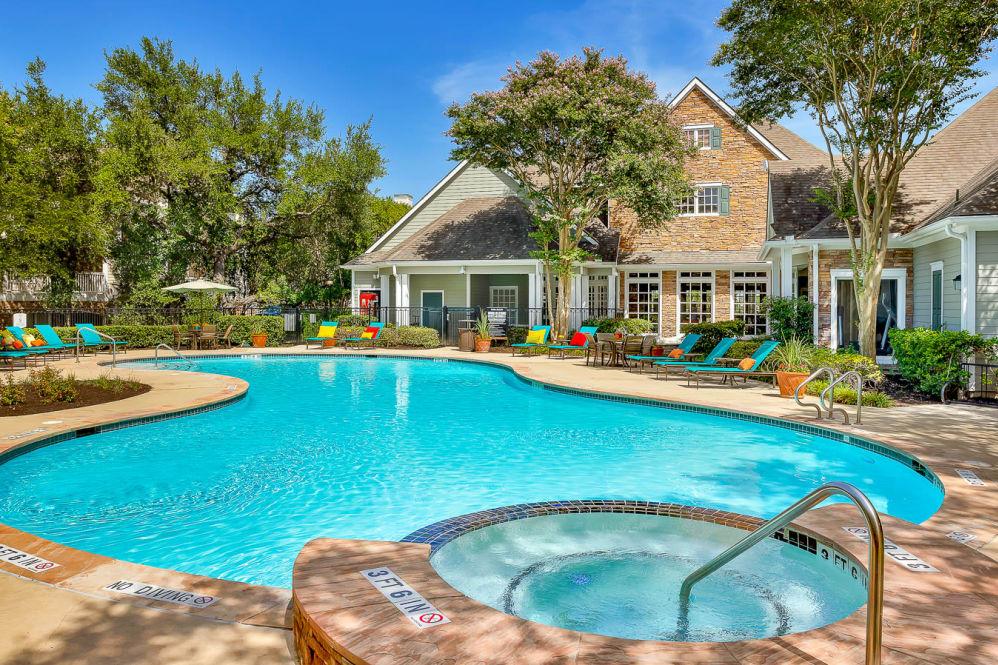 Lodge at Westover Hills Apartments San Antonio TX
