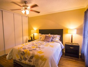 Bedroom at Listing #141057