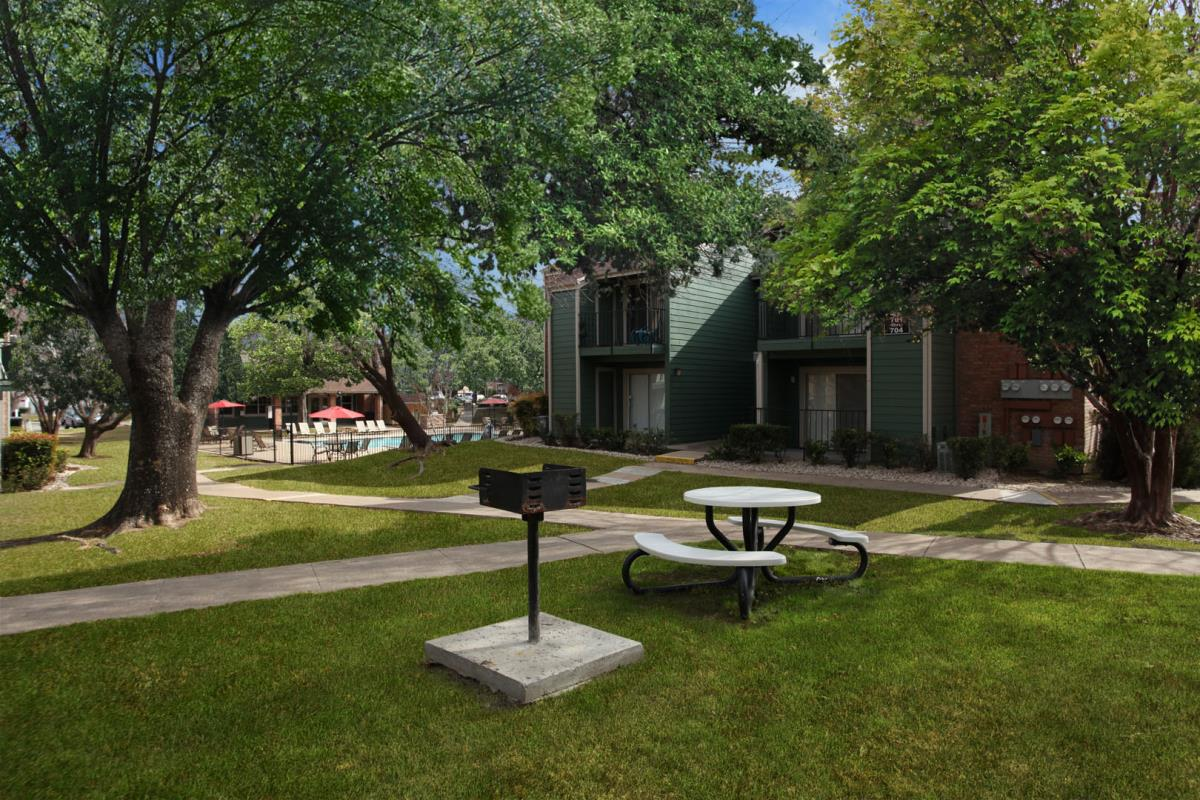 Picnic Area at Listing #140268