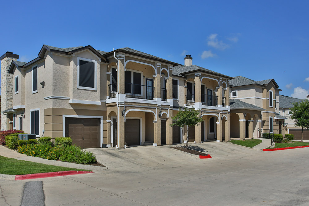 Exterior at Listing #144944