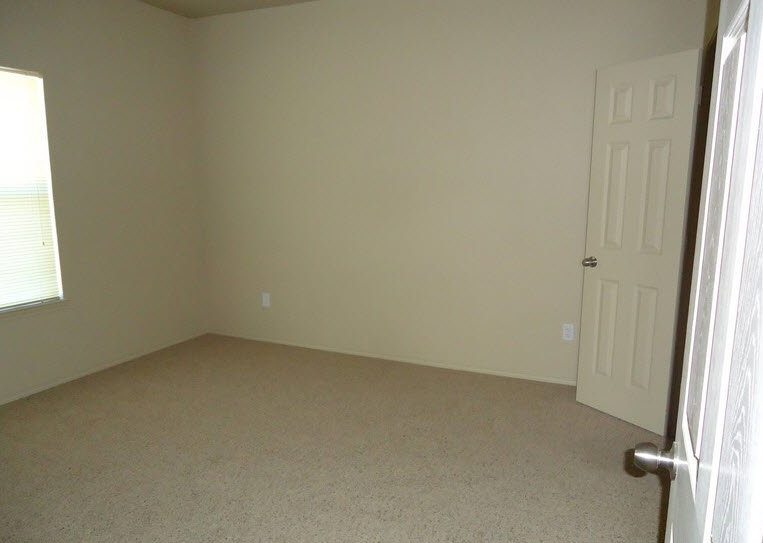 Bedroom at Listing #229182
