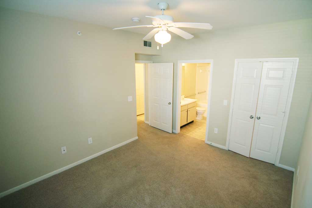 Bedroom at Listing #147063