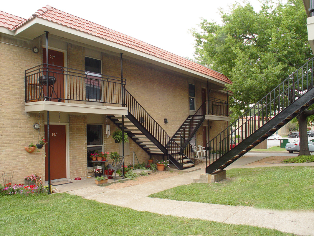 Exterior at Listing #283125