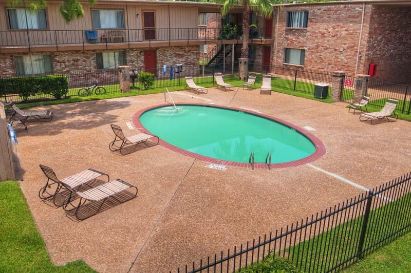 Pool at Listing #138252