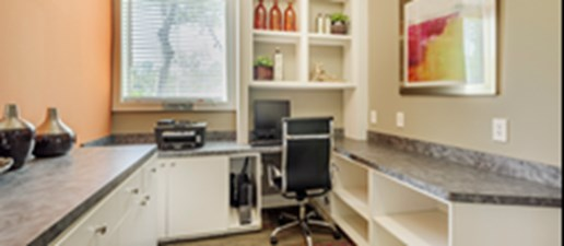Business Center at Listing #138550