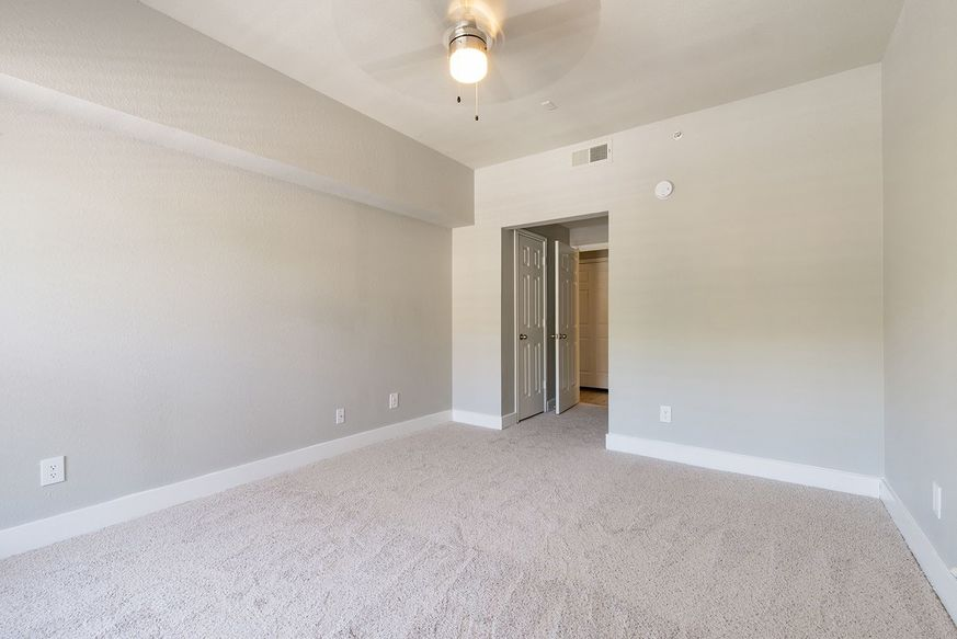 Bedroom at Listing #137276