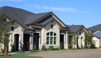 Exterior at Listing #277632