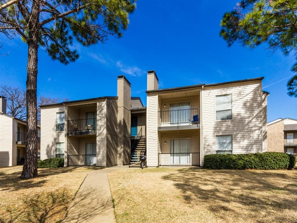 Exterior at Listing #136755