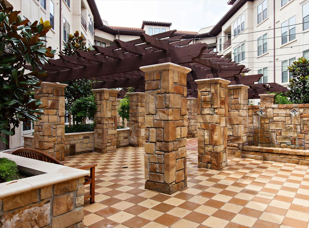 Courtyard at Listing #144559