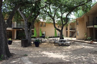 Picnic Area at Listing #135811