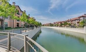 La Villita Lakeside Apartments Irving TX