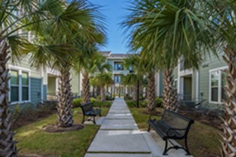 Courtyard at Listing #283351
