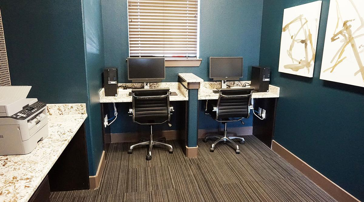 Business Center at Listing #283374