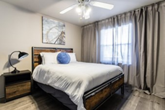 Bedroom at Listing #136326