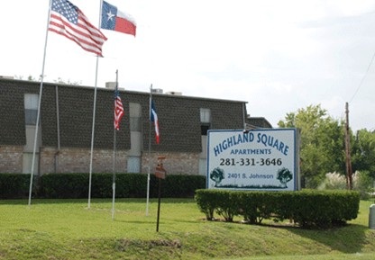 Highland Square Apartments Alvin TX