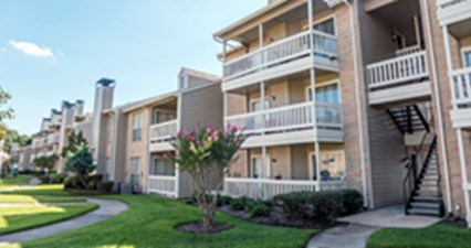 Exterior at Listing #138378