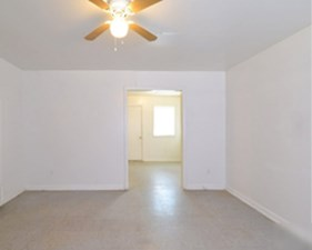 Living at Listing #269469