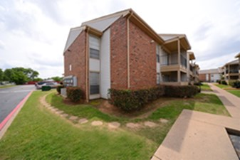 Exterior at Listing #137488