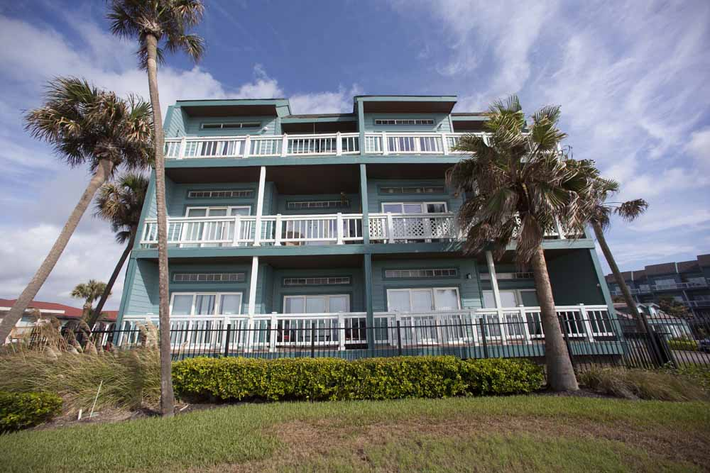 Exterior at Listing #138435