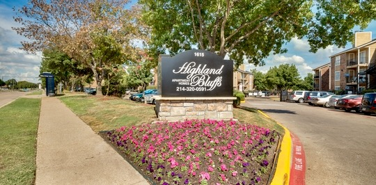Highland Bluffs II Apartments Dallas TX