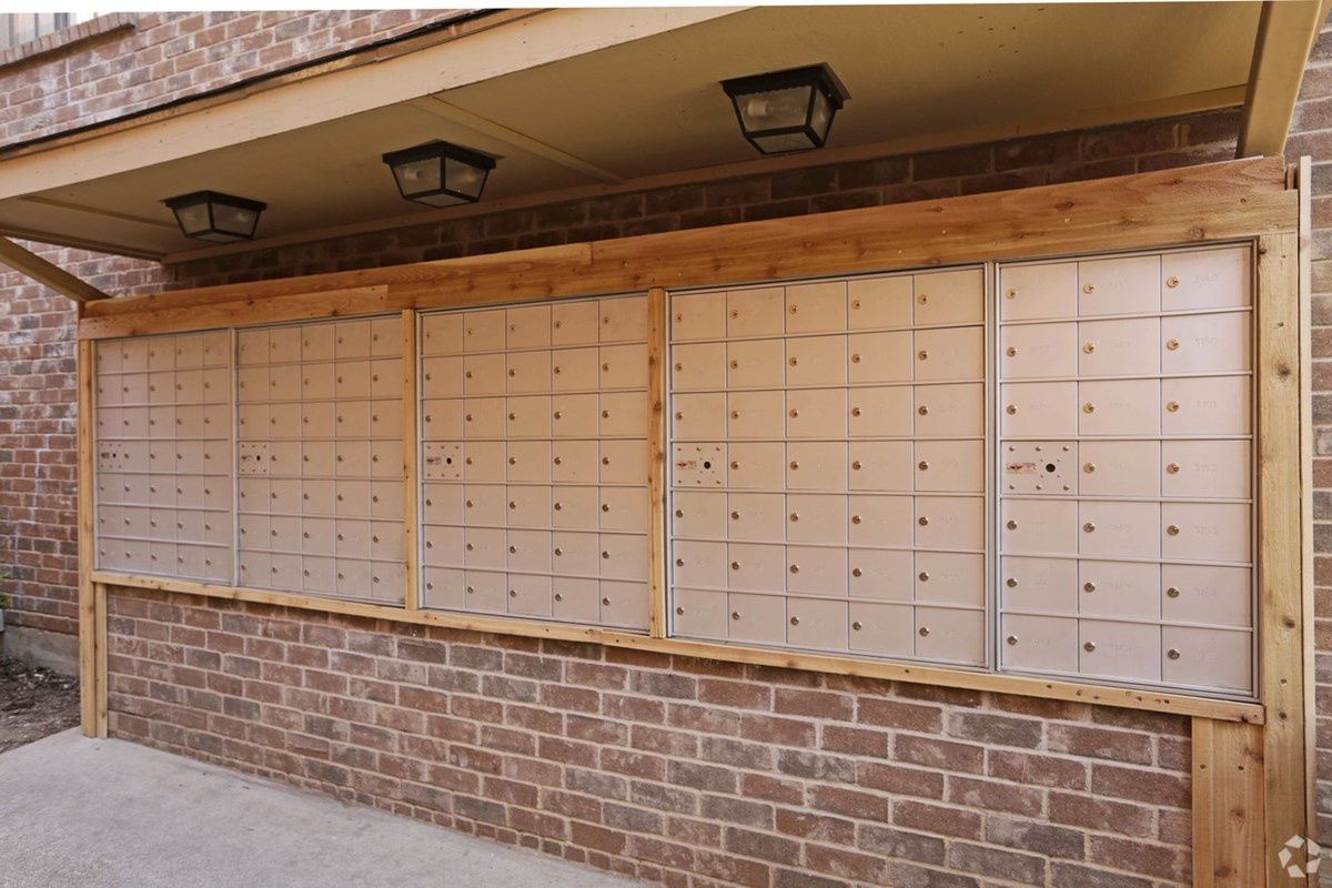 Mail Station at Listing #135704