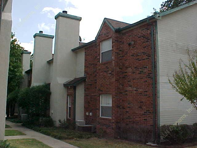 Exterior 2 at Listing #137745
