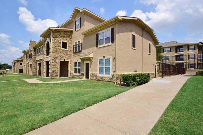 Providence at Prairie Oaks Apartments
