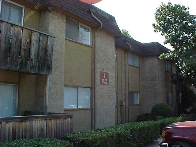 Exterior 3 at Listing #136252