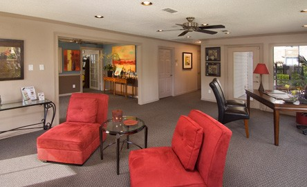 Living Area at Listing #138510