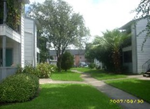 Exterior at Listing #138360