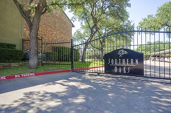 Gated Entry at Listing #137153