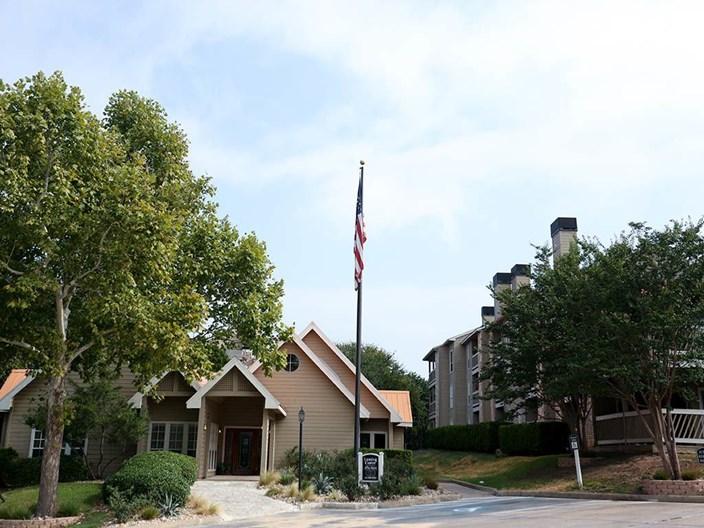 Lexington Hills Apartments
