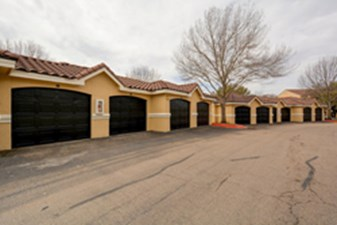 Garages at Listing #140608